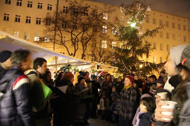 Weihnachtsmarkt Tuchollaplatz